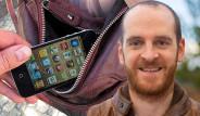 Tarlabaşı'nda Telefonu Çalınan Kanadalı Gazeteciyle Dalga Geçtiler