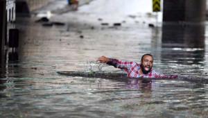İstanbul'da Sağanak ve Dolunun Ardından Yaşanan Felaketten Kareler