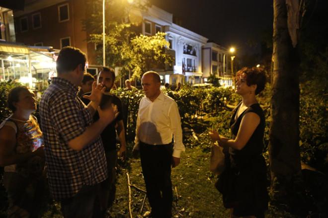 Kadıköy'de Yüzlerce Ağaç Devrildi!