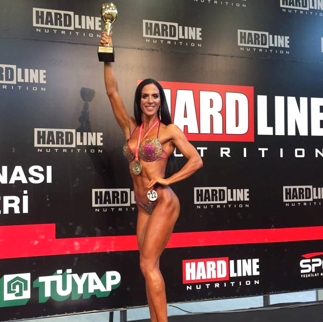 Deniz Eke, Türkiye Bikini Fitness Şampiyonu Oldu