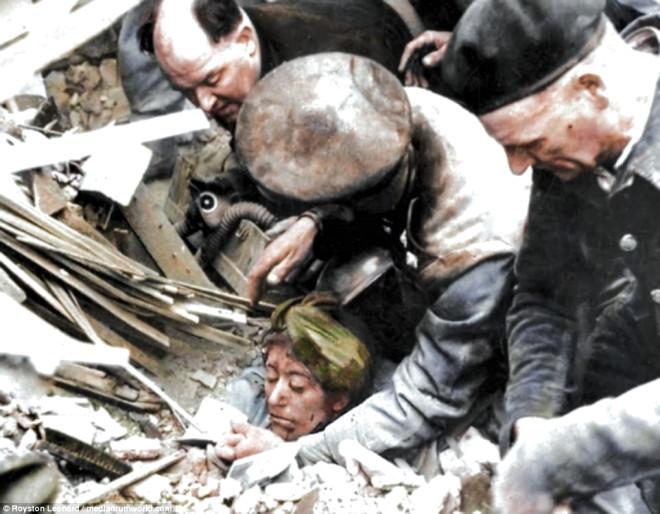 500 Alman Uçağının, Londra'yı Bombaladığı Blitz Saldırısından Kareler