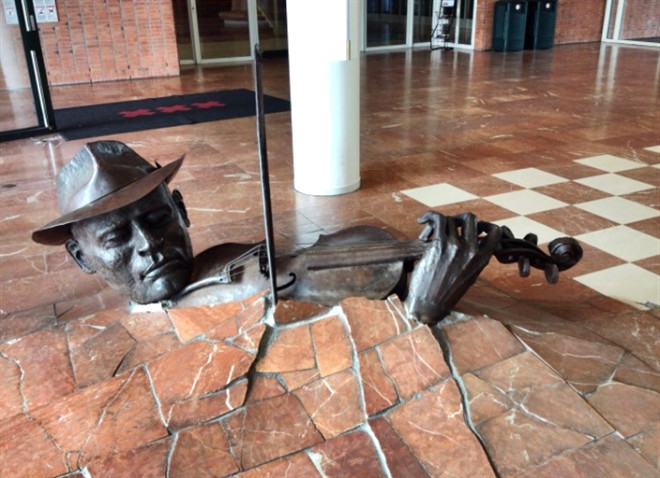 'Monument to the violinist', Hollanda