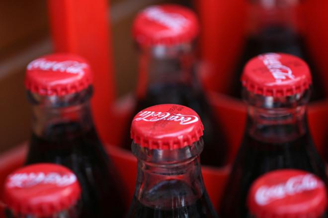 Coca-Cola logosunda kırmızı ve beyaz renkleri neden kullandı biliyor musunuz?
