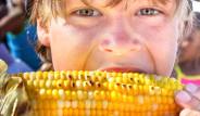 Okul Önünde Açıkta Satılan Gıdalar Tehlike Saçıyor