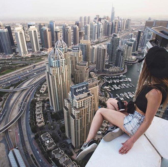 Yüksek Binaların Tepesindeki Korkusuz Fotoğrafçı: Angela Nikolau