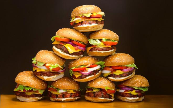 Fast Food Zincirinde Skandal! Çocuğunuza Yedirirken Bir Daha Düşünün