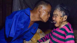 Kolları Olmayan Çinli Adamın Hayata Tutunma Öyküsü