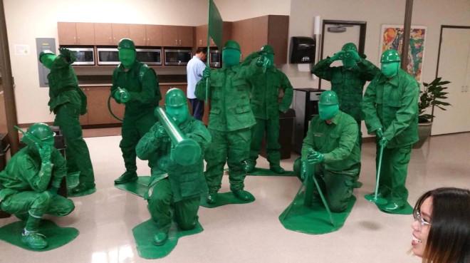 Bir zamanlar plastik yeşil askerleri olmayan yoktur...