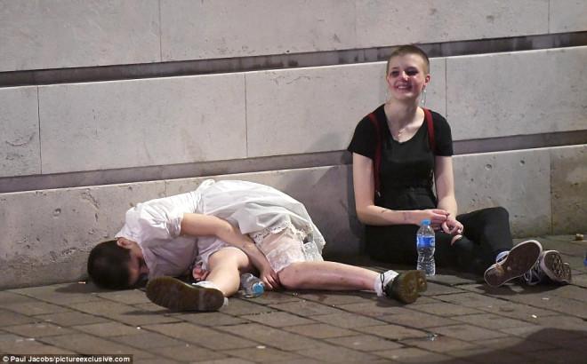 İngiltere'deki Cadılar Bayramı Kutlamalarından Sokak Manzaraları