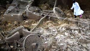 2400 Yıllık Mezardan At Arabası ve İskeletler Çıktı