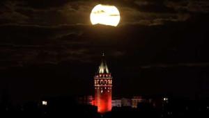 Yılda 1 Defa Görülen 'Süper Ay' İstanbul'dan da İzlendi
