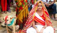 Kızları Köpekle Evlendiriyorlar! İşte Hindistan'ın İlginç Gelenekleri