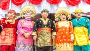 Erkeklerin Gelin Olduğu, Dünyanın En Büyük Anaerkil Toplumu Minangkabau'nun İlginç Hikayesi