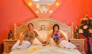 Romanya'daki Çingenelerin Evleri, Sarayları Aratmayan Görüntüleriyle Şaşırtıyor