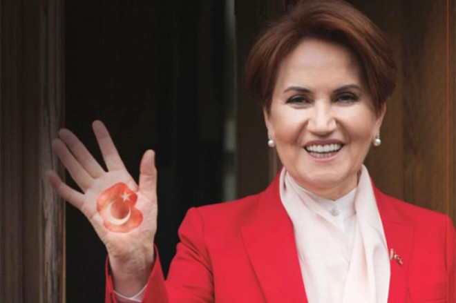 Meral Akşener'in Gençlik Fotoğrafı Şaşkına Çevirdi