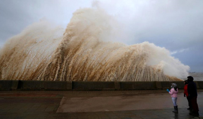 İngiltere'yi Vuran 'Eleanor' Kasırgasından Korkunç Kareler