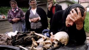 Ölen Oğlunun Kalıntılarına Kavuşup Ağladı! İşte Az Bilinen Tarihi Fotoğraflar ve Hikayeleri