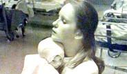 38 Yıl Evvel Bir Bebeğin Hayatını Kurtaran Hemşire Facebook Fotoğrafını Görünce Şoke Oldu