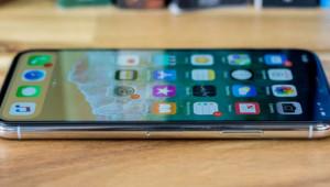 iPhone Fiyatları Düşüyor! Apple 3 Bomba Birden Patlatacak