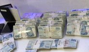 Bitcoin Dolandırıcısının Evinden Çıkan Paralar Dudak Uçuklattı