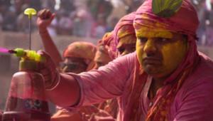 Dünyanın En Renkli Festivali: Holi