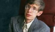 Evrenin Gizemli Kapılarını Aralayan Dahi Fizikçi Stephen Hawking'den Ufkumuzu Açan 15 Söz