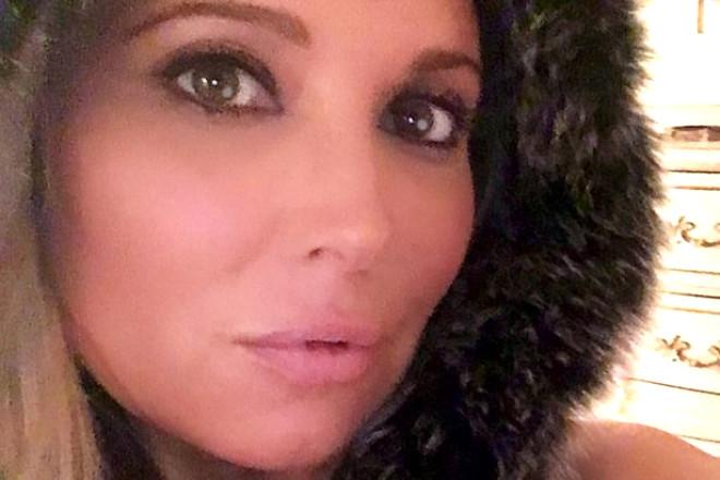 50 Yaşındaki Güzel Anne Ayda 100 Çıkma Teklifi Alıyor