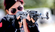 Antalya Emniyetinin 'Lara Croft'u Meslektaşlarını Eğitiyor