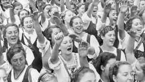 Hitler Gençlik Partisi Gerçeği: 900 Kız Çocuğunu Hamile Bıraktılar