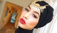 Müslüman Model Mariah Idrissi, Türbanı Yüzünden İşinden Oldu
