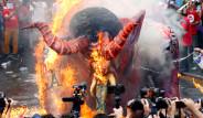 Dünyada 1 Mayıs Kutlamalarından Manzaralar
