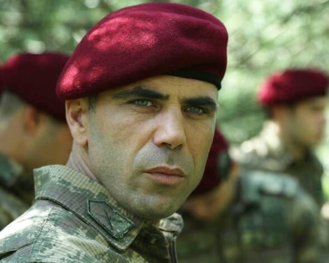 Gürkan Uygun'un Kardeşi Efsane Dizinin Sevilen İsmi Çıktı