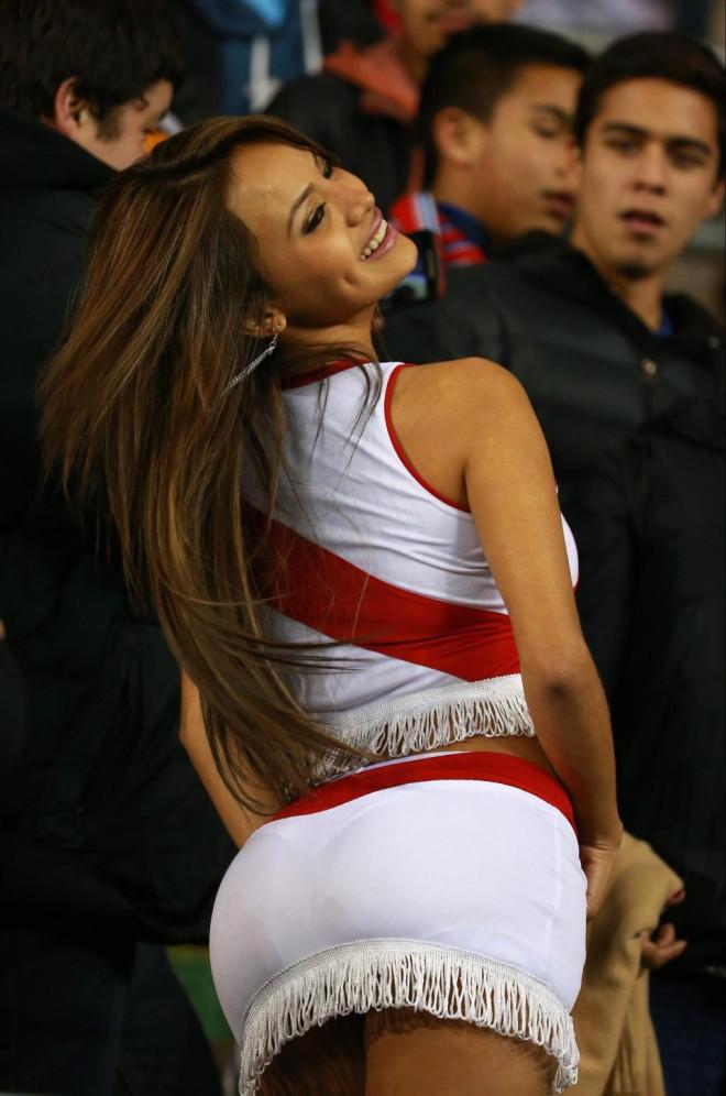Perulu Güzel Maçın Önüne Geçti!