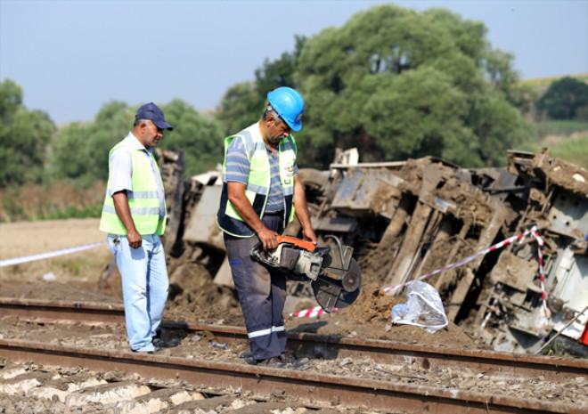 Altı Vagonun Devrildiği Çorlu'daki Tren Kazasından Korkunç Fotoğraflar