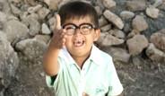 'Ay Lav Yu' Filminin Kendini Tokatlayan Çocuğu Bakın Ne Halde