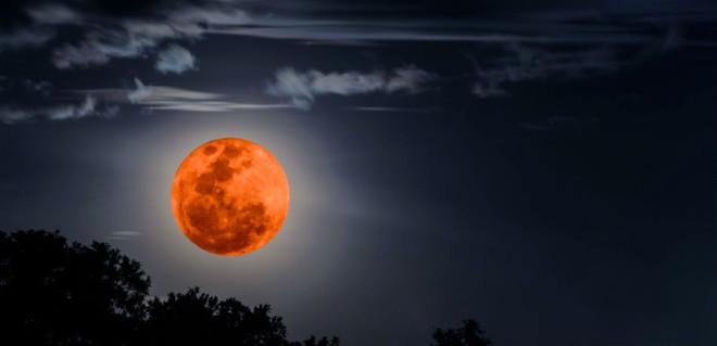 21. Yüzyılın En Uzun Ay Tutulması Bu Gece