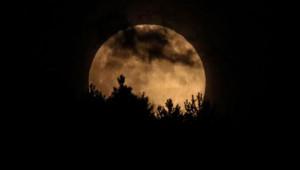 Türkiye Bu Olaya Kitlendi! İşte Kanlı Ay Tutulmasından Nefes Kesen Kareler