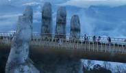 Dev Ellerin Taşıdığı Köprü Turist Akınına Uğruyor