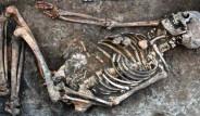 4.500 Yıllık Kadının Kemiklerinde Gizemli Süslemeler Keşfedildi