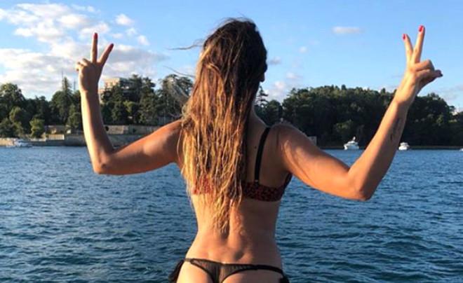 Ünlülerin Tatil Pozları Instagram'ı Salladı