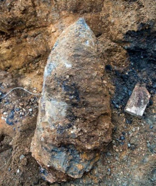 İnşaat İşçileri Kazı Esnasında Bulduğu Şey Yürekleri Ağza Getirdi