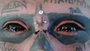 Kolombiyalı Çılgın Adam, İskelete Benzemek İçin Burun ve Kulağının Yarısını Kesti