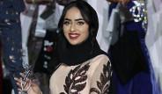 Başörtüsüyle Mıss England Güzellik Yarışmasına Katılan Model Sara Iftekhar, Finale Kaldı