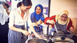Kraliyet Ailesinin Yeni Gelini, Müslüman Kadınlarla Börek Sardı!