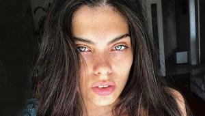 Miss Turkey'in Politikacı Güzeli Instagram Pozlarıyla Büyülüyor
