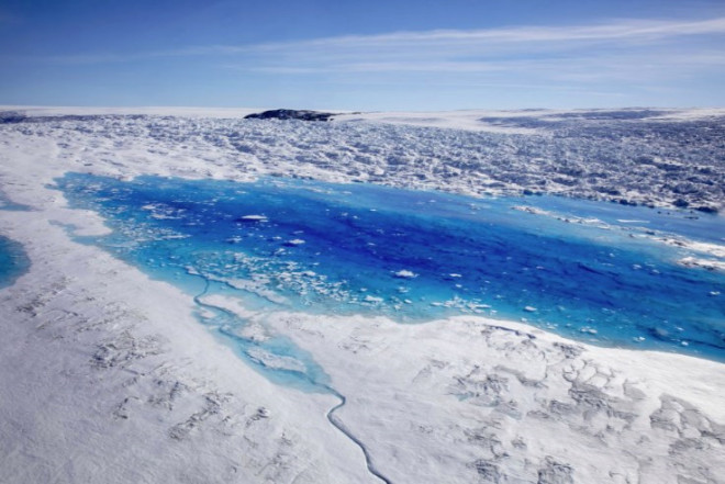 Grönland'daki Buzullar Gün Geçtikçe Eriyor