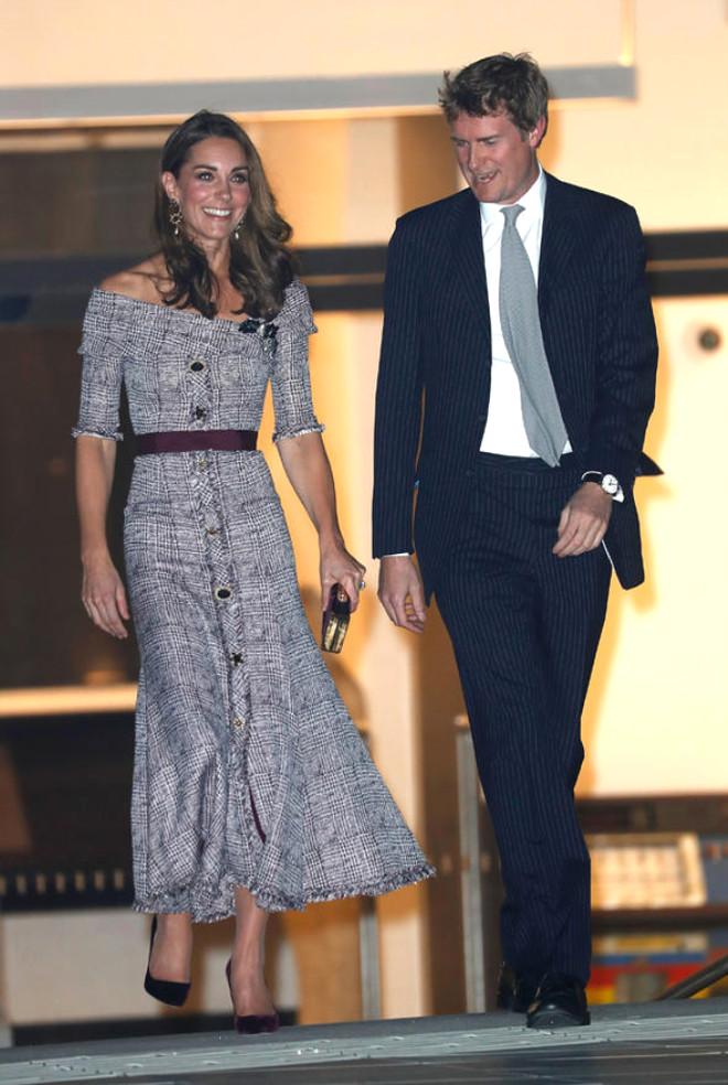 Cambridge Düşesi Kate Middleton Türk'ün İmzasıyla Geziyor