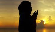 Cuma Günü veya Gecesi Bu Duayı Okuyana Cennet Kapıları Açılıyor