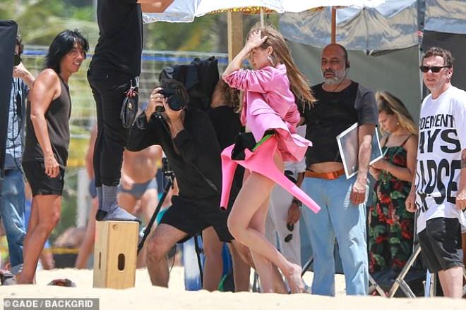 Victoria Secret'ın Çıtır Meleği, Kamera Arkası Ateşli Görüntüleriyle Mest Etti!
