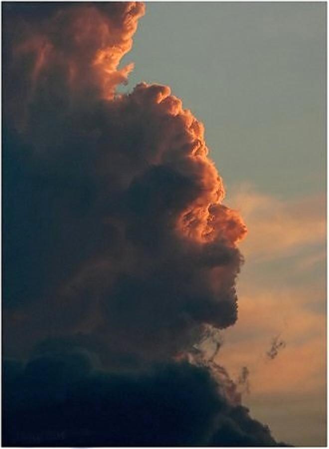 Bulutlardaki İnsan Silüeti Şoke Etti! İşte Aldıkları Şekiller ile Şaşırtan 18 Bulut Kümesi